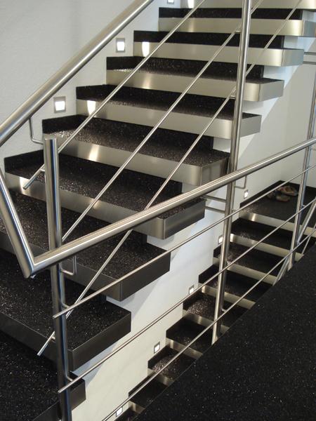 Treppen: Kieselbeschichtung, Steinteppich