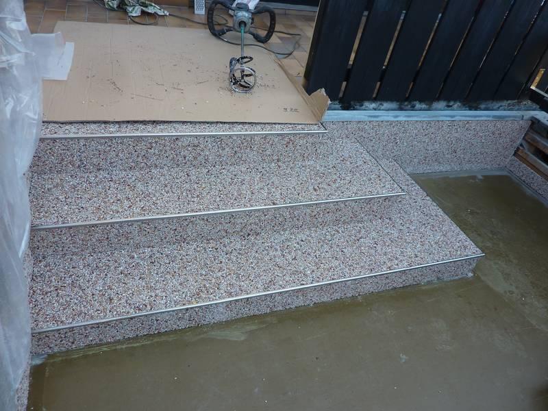 Steindesign Spiegl treppen kieselbeschichtung steinteppich